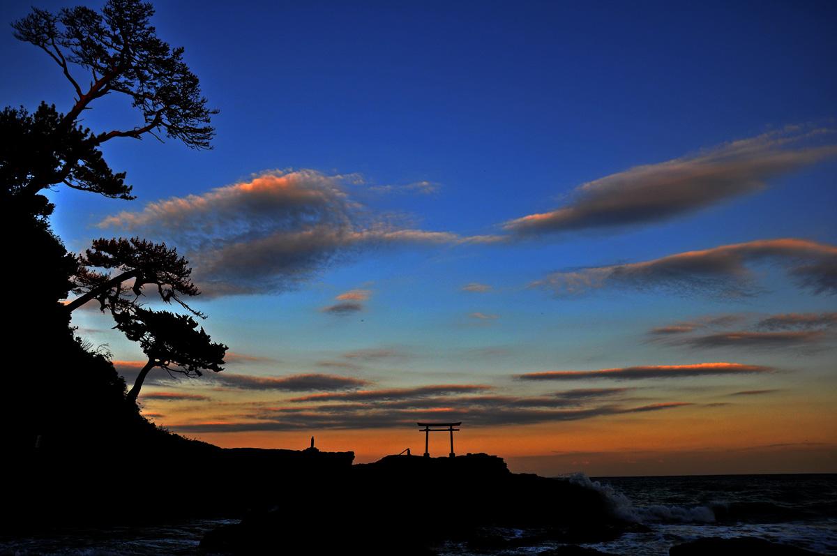 夕暮れの白浜海岸
