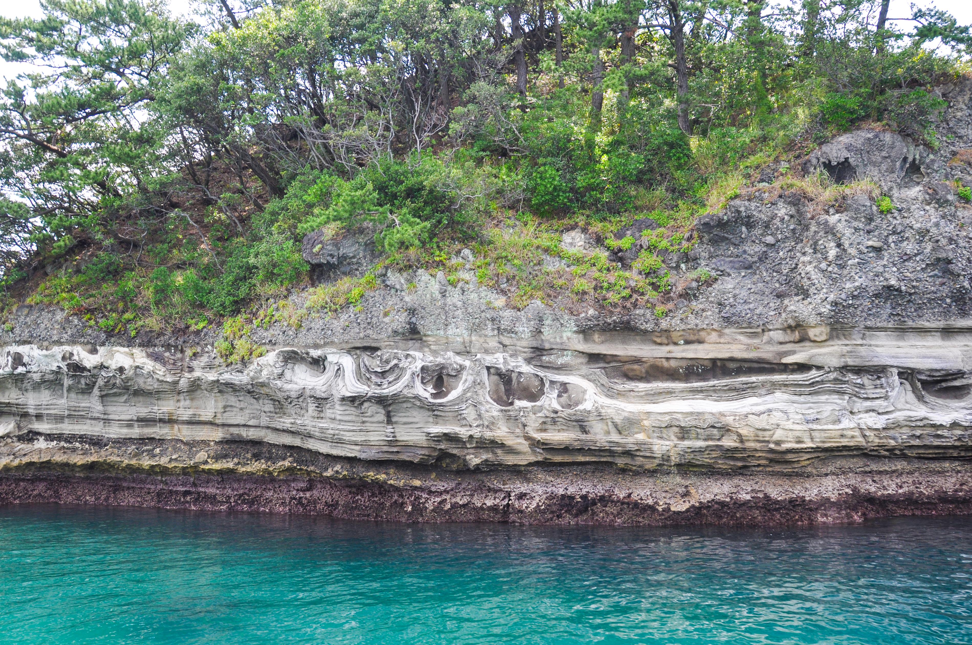 蛇島の加重痕 CC BY