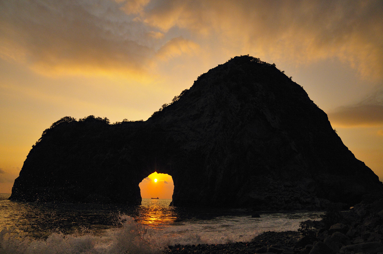 千貫門の日の入り CC BY