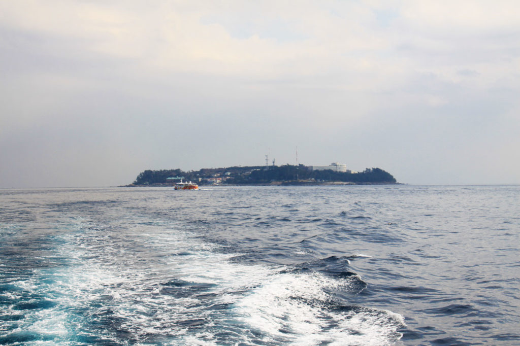 初島  CC BY-SA