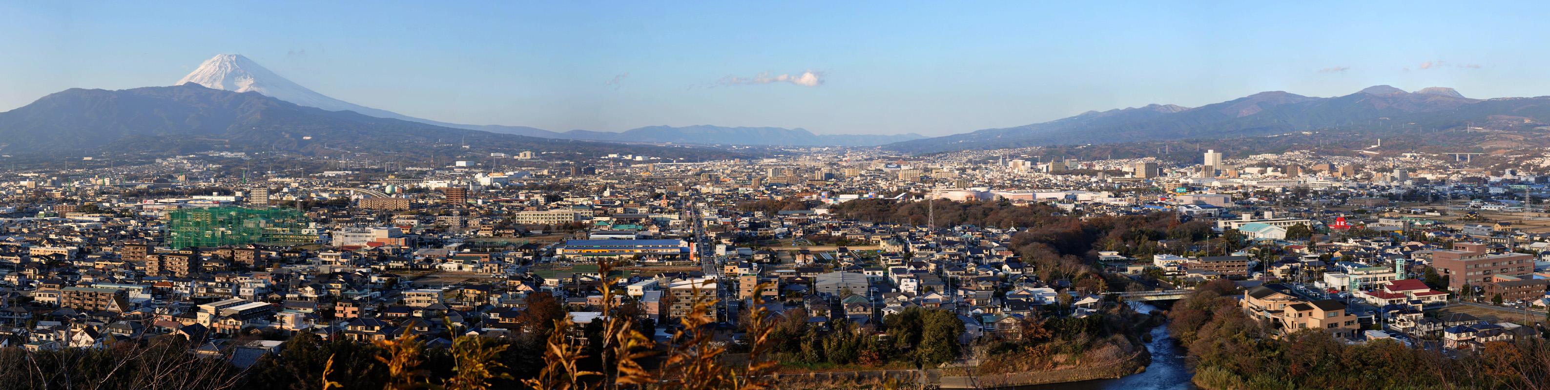 本城山  CC BY-SA