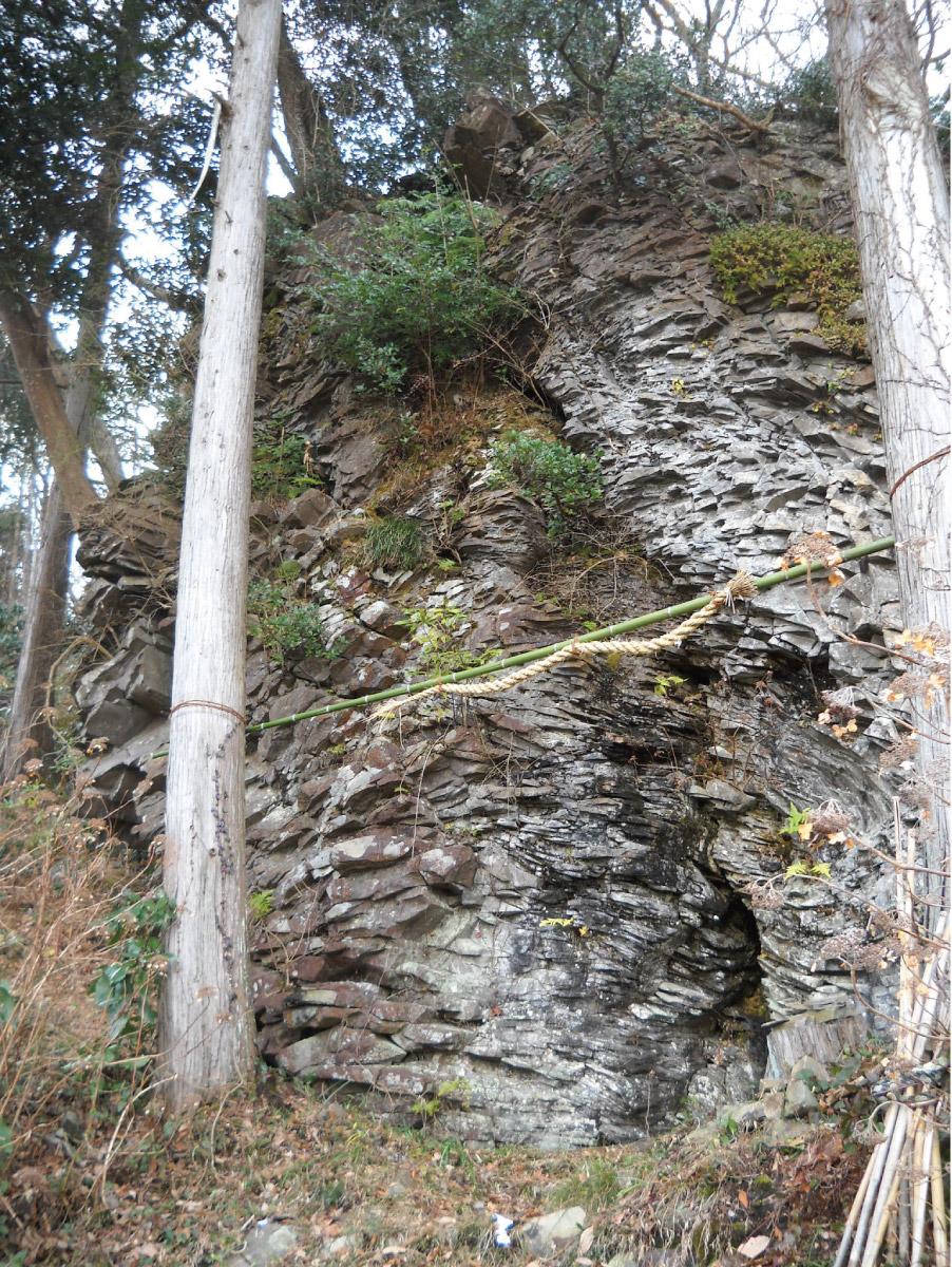龍神岩(登山道の途中)