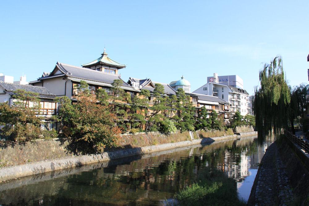 松川  CC BY