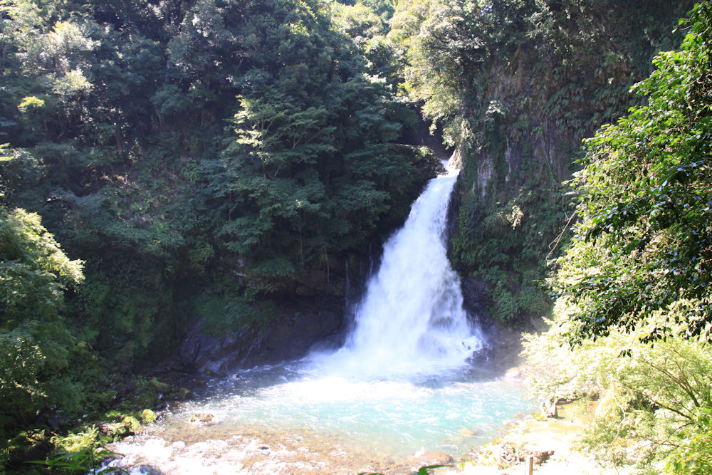 大滝 CC BY