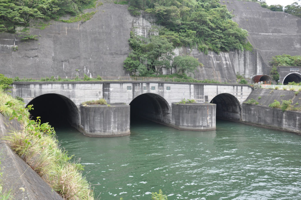 狩野川放水路 内浦側