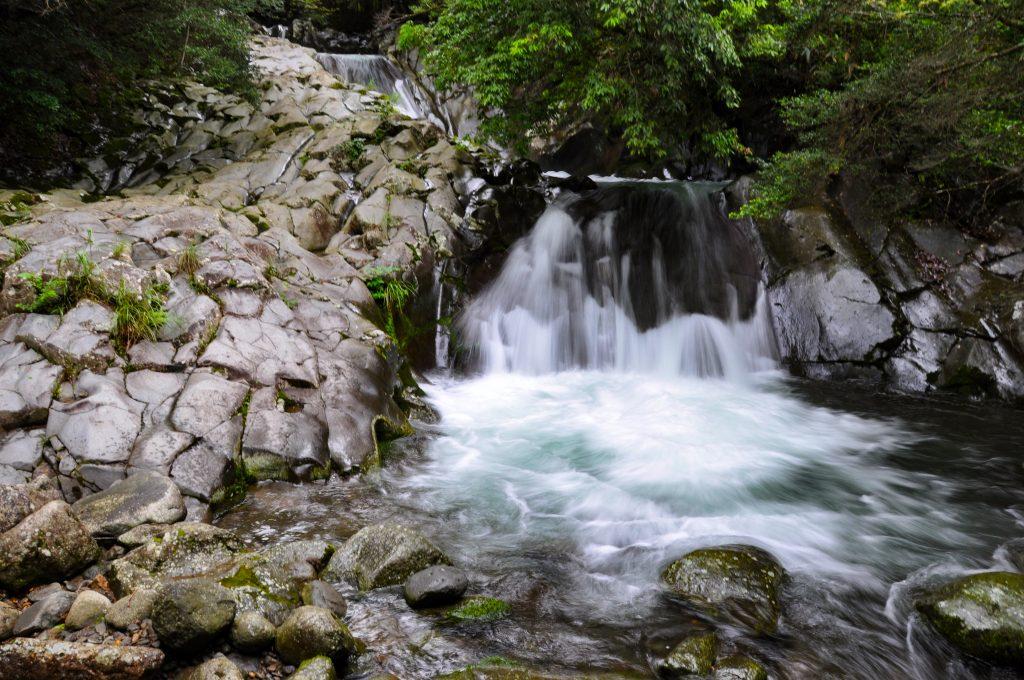 三段滝 CC BY