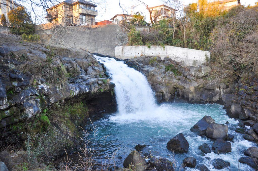 鮎止めの滝 CC BY