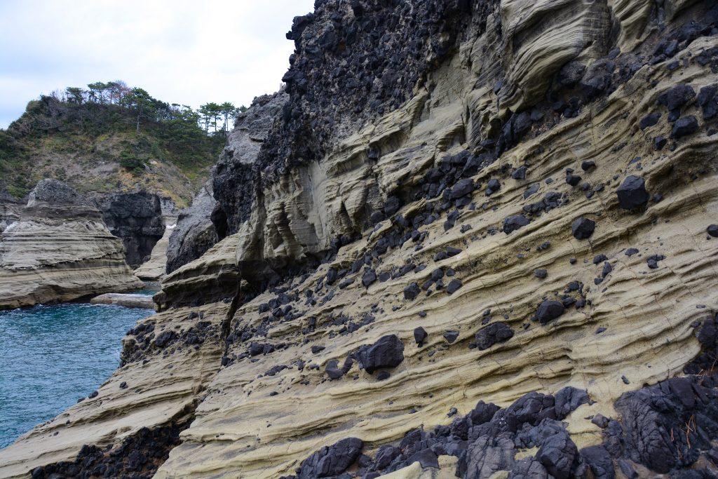 枯野公園の水冷破砕溶岩